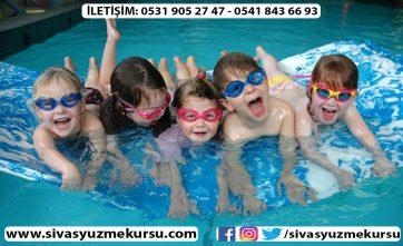 Sivas yüzme kursu olarak kaliteyi değerli Sivas halkımızla buluşturuyoruz. Sivas yüzme kursları arasında parmakla gösterilen eğitim anlayışımızla hizmetinizdeyiz... Sivas yüzme kursu, sivas yüzme kursu fiyatları...